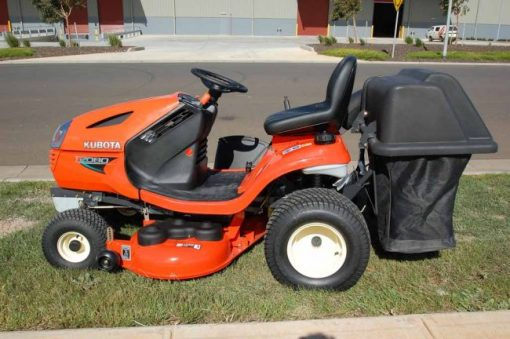 GCK42 ON T1880 TRACTOR MOWER