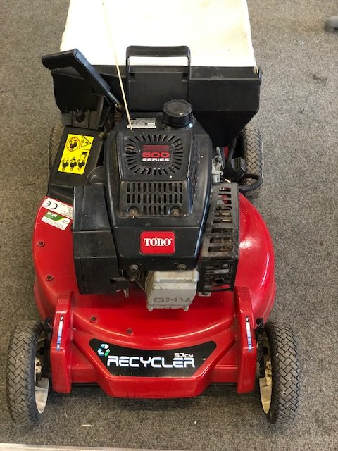 Toro Recycler – Used with 2 stroke Suzuki engine